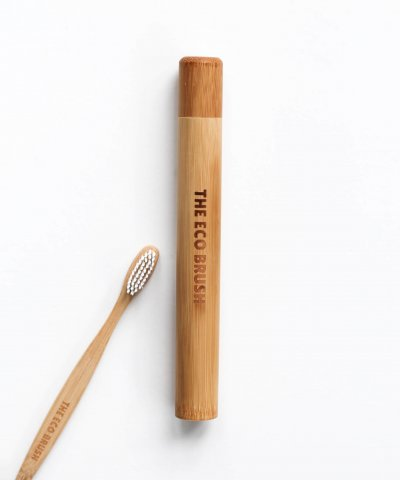 THE ECO BRUSH BAMBOO TOOTHBRUSH TRAVEL CASE