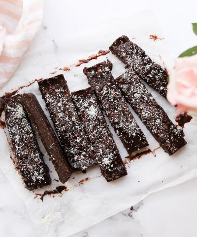 THE WHOLESOME CO BAKING KIT – CHOCOLATE PEPPERMINT FUDGE SLICE