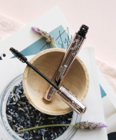 100% PURE BLACK TEA MASCARA – ULTRA LENGTHENING